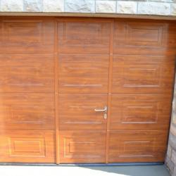 porte de garage en imitation bois